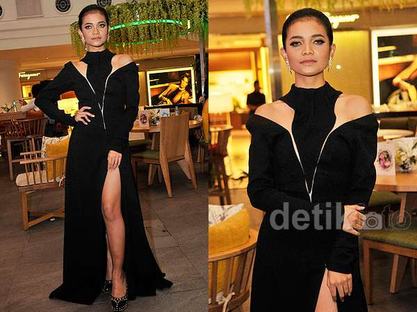Sexy in Black! Citra Skolastika Pamer Paha