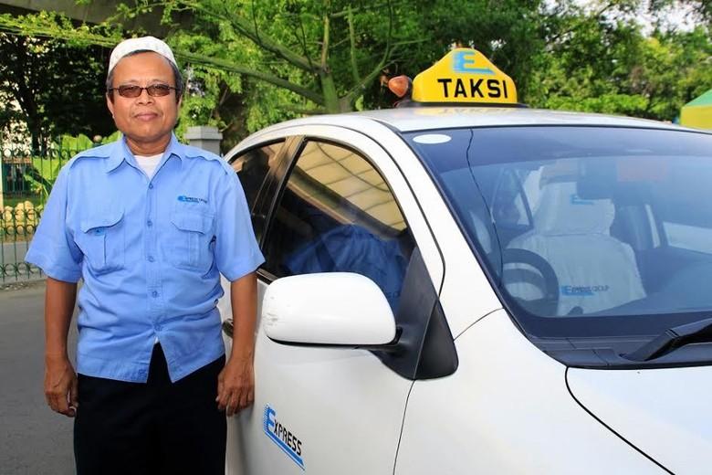 Sopir Taksi Ini Kembalikan Uang Penumpang AUD 10 Ribu