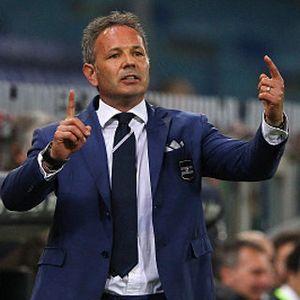 Mihajlovic Resmi Tinggalkan Sampdoria