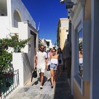 Ashraf dan BCL saat liburan di Yunani. (Instagram/Bunga Citra Lestari)