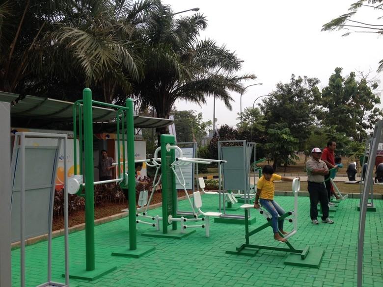 Ini Foto-foto Wajah Baru Taman Waduk Pluit dengan Alat Gym Gratisnya