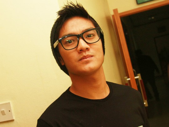 Berkacamata, Boy William Makin Ganteng