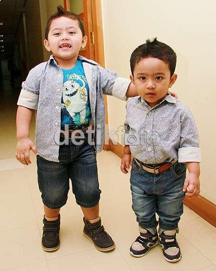 Anak Nassar dan Muzdhalifah, Kecil-kecil Gaya Banget!