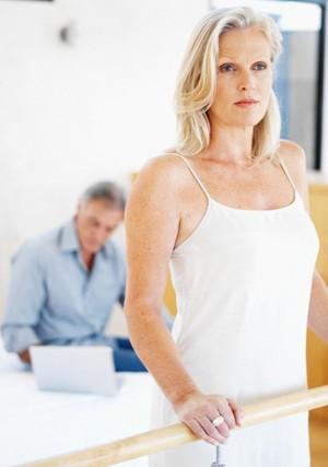 Semakin Bertambah Usia, Kualitas Sperma Pria Semakin Buruk?