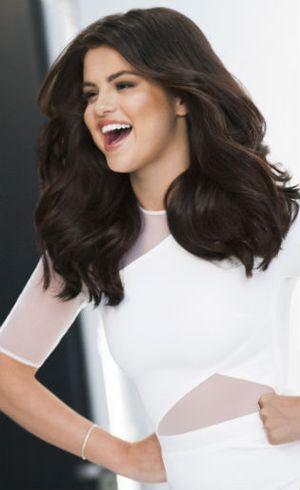Punya Rambut Indah, Selena Gomez Dinobatkan Jadi Brand Ambassador Pantene