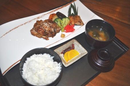Berbuka Puasa Dengan Takjil Dan Robatayaki Gindara Khas Jepang Di