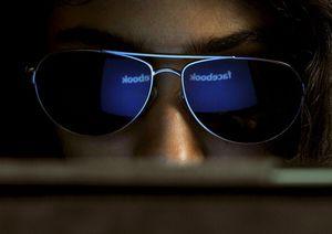 Waspada Kena Pelet, Para Gadis Harus Hati-hati Berkenalan Pria di Facebook