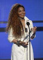 Nicki Minaj Hingga Rihanna Ramaikan BET Awards 2015