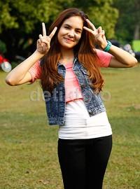 Untuk dari dunia akting, Stefhanie nge-fans dengan Nabila Syakieb.