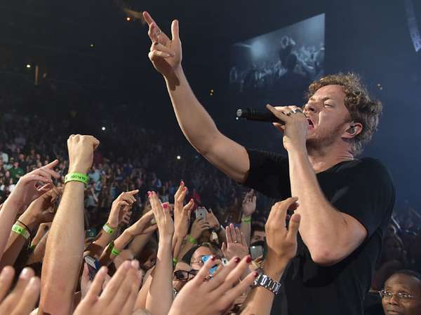 Keseruan Konser 'Smoke and Mirrors' Imagine Dragons di New York