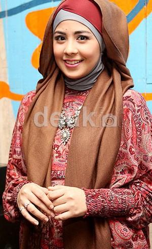 Inspirasi Gaya Hijab Untuk Lebaran ala Selebriti Indonesia