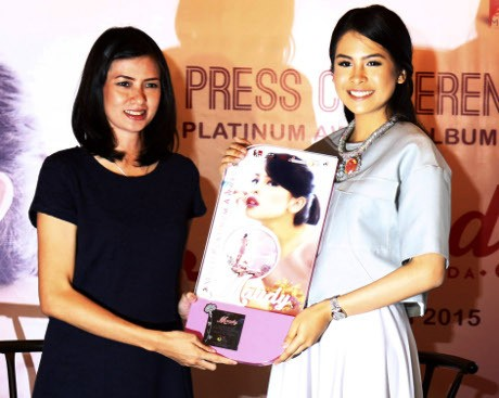 Album Moments Raih Multi Platinum, Maudy Ayunda Terharu