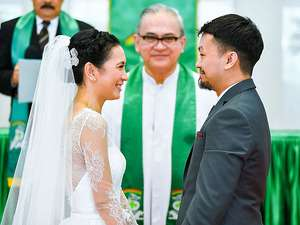 Ini Foto-foto Pernikahan Jennifer Arnelita dengan Pengacara