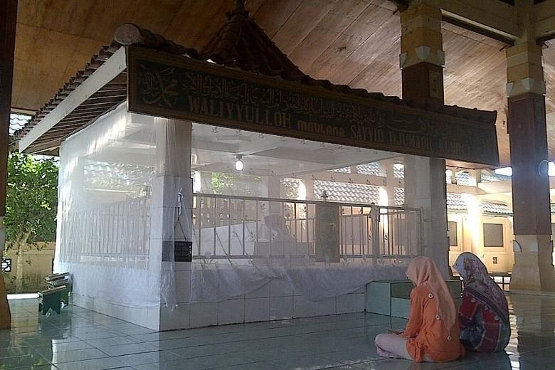 Makam Sayyid Hussein Jumadil Kubro (Enggran/detikTravel)