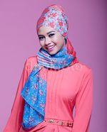Yuki Kato Cantik dalam Balutan Hijab