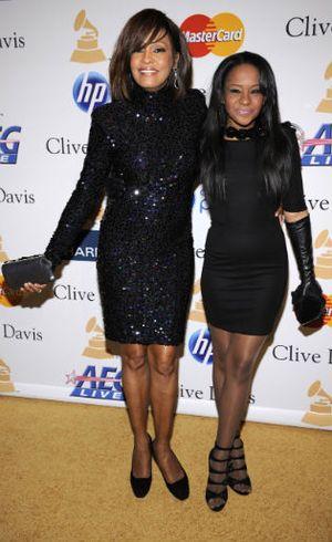Detik-detik Jelang Meninggal, Bobbi Kristina Didengarkan Lagu Whitney Houston