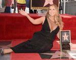 Mariah Carey Seksi dan Glamor di Hollywood Walk of Fame