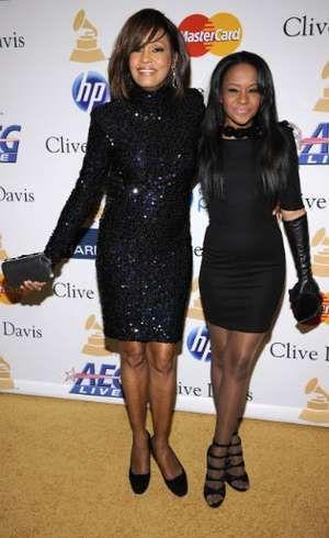Putri Whitney Houston Meninggal, Kekasihnya Dituduh Berikan Minuman Beracun