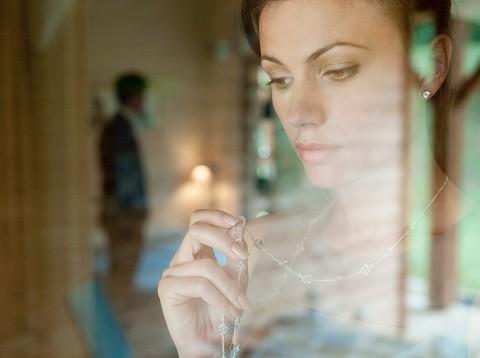 Terlanjur Sayang dengan Pria Lain Dibanding Suami, Harus Bagaimana?