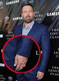Ini penampakan cincin kawin yang dikenakan Ben. Angela Weiss/Getty Images/detikFoto.