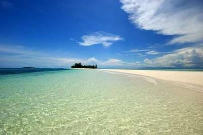Ada Fenomena Laut Belah di Morotai