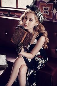 Seohyun terlihat sangat menawan dan cantik berkelas. (SMTOWN)