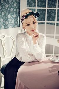 Taeyeon juga tak kalah cantik dari member lainnya. (SMTOWN)