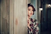 Sama seperti Yuri, Sooyoung juga kenakan dress bernuansa floral. (SMTOWN)