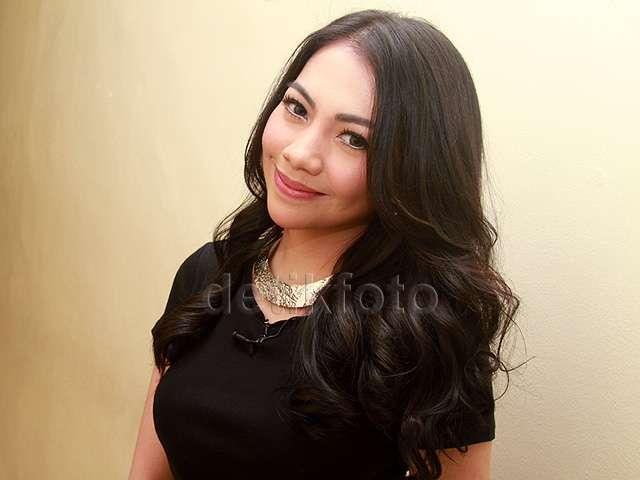 Kezia yang Nggak Kalah Cantik dari Angel Karamoy