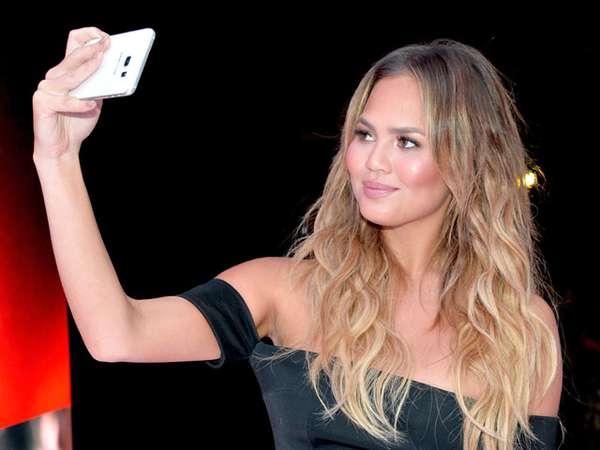 Ber-selfie Ria Bareng Chrissy Teigen