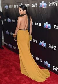 Pamer punggung, Vanessa jadi sorotan di red carpet. Alberto E. Rodriguez/Getty Images/detikFoto.