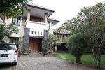 Mengintip Rumah Tiara Westlake yang Bergaya Etnik Bali