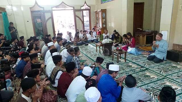 Mulan Jameela Rayakan Ultah ke-36 di Pesantren