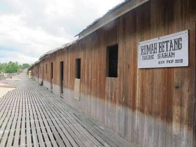 Rumah Betang, Muat Diisi 50 Keluarga Suku Dayak