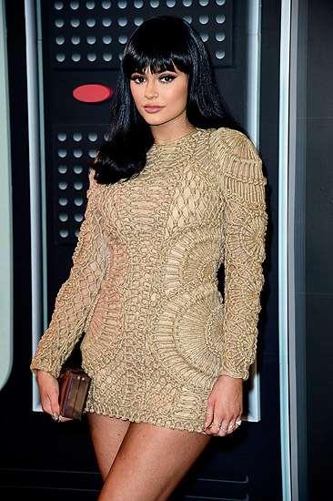 Kylie Jenner dan Kourtney Kardashian Jadi Sorotan di MTV VMA 2015