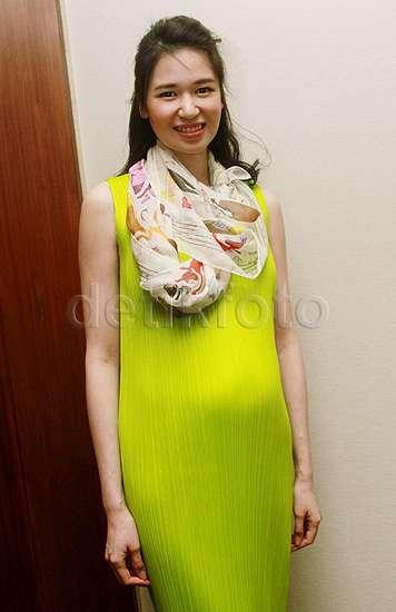 Perut Hamil 5 Bulan Laura Basuki