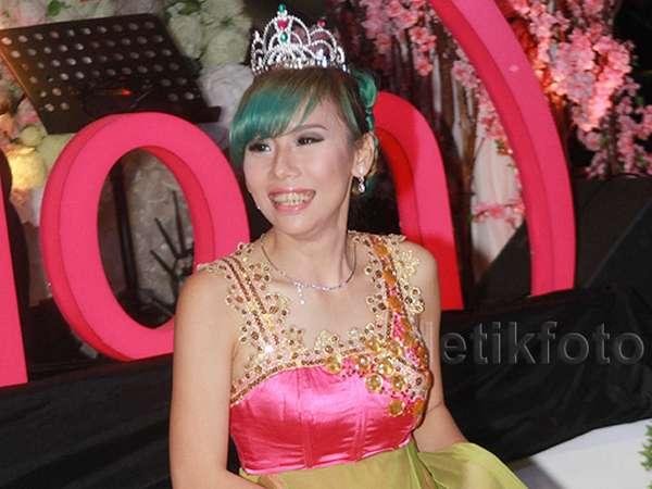 Bermahkota, Cherly eks Cherrybelle Tampil Bak Princess
