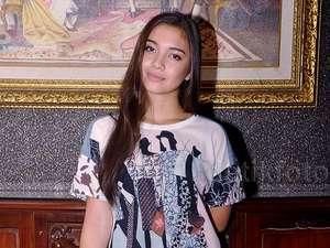 Angela Gilsha Sudah Cantik, Rendah Hati Pula