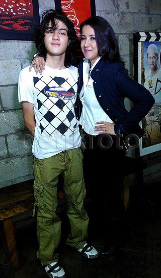 Shawn kini menjadi idola para remaja, terutama perempuan.