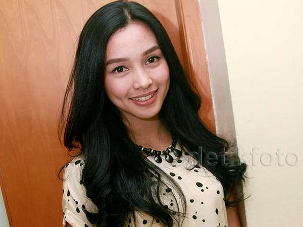Manisnya Tya Arifin, Calon Istri Bangsawan Malaysia