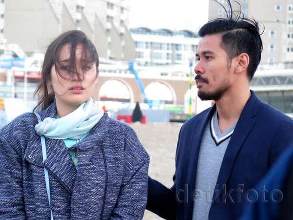 Intip Potongan Adegan Tatjana Saphira dan Chicco Jerikho di 'Negeri van Oranje'