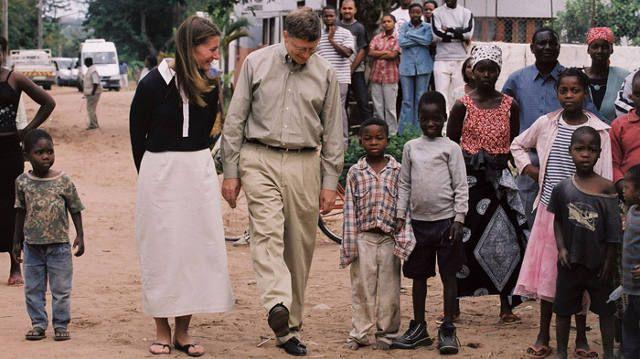 Bill Gates cukup sering berkunjung ke negara termiskin di Afrika untuk mengetahui langsung kondisi di sana. (istimewa/gatesnotes).
