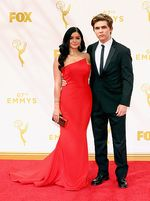 Red Hot! Ariel Winter Curi Perhatian di Emmy Awards 2015
