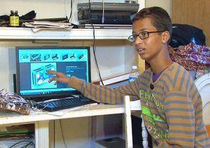 Ahmed Perakit Bom Dapat Hadiah Istimewa dari Microsoft