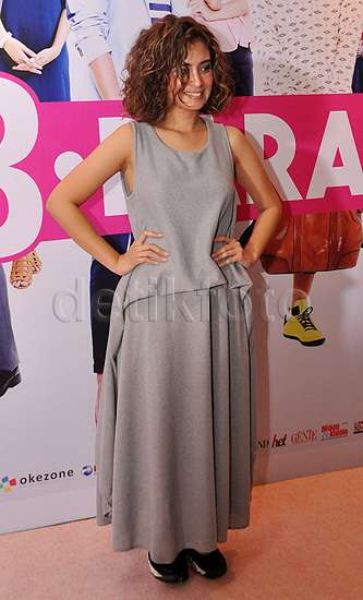 Gaya Ayushita di Premiere Film '3 Dara' ini Yay or Nay?