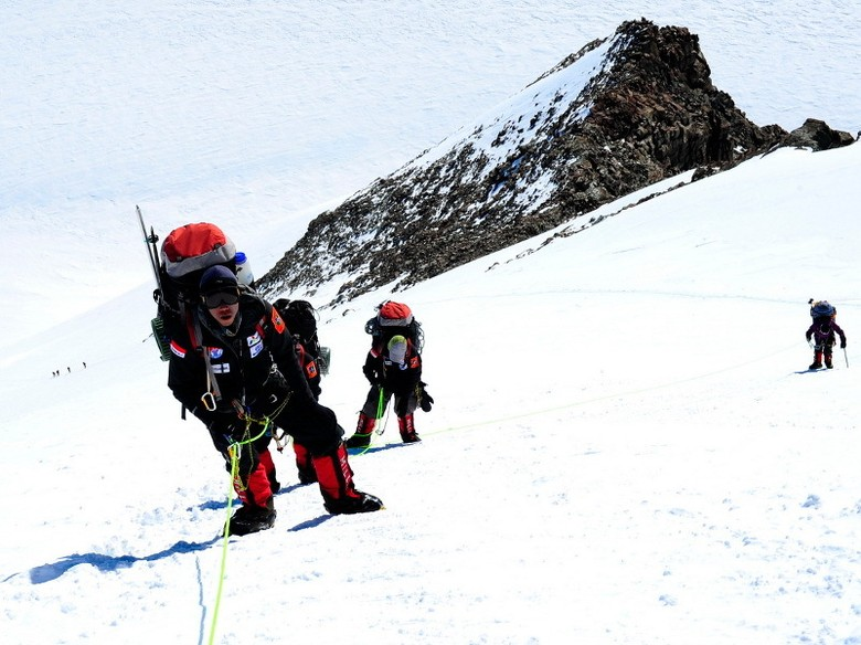 Pendakian ke Vinson Massif (Indonesia Seven Summit Expedition/Ardeshir)