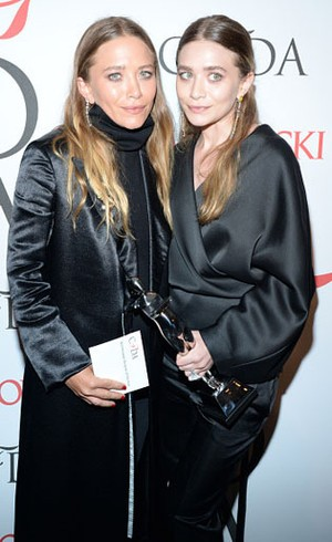 Kembar Olsen Pindahkan Fashion Show Koleksinya ke Paris Fashion Week