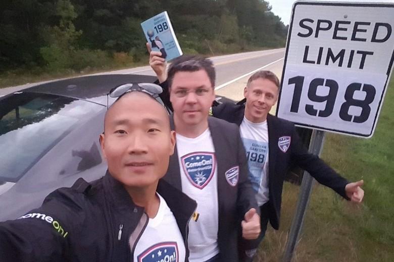 Gunnar Garfors, Park Tay Young dan ystein Djupvik di titik start (garfors.com)