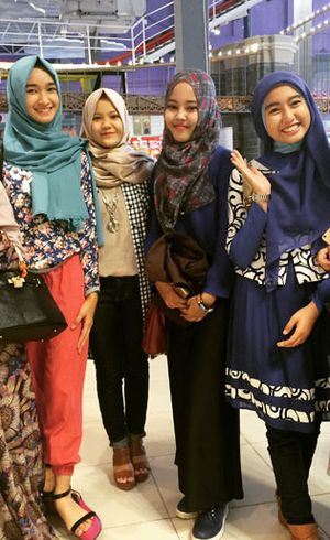 Foto: 4 Juara Hijab Hunt 2015 Hibur Fans di Transmart