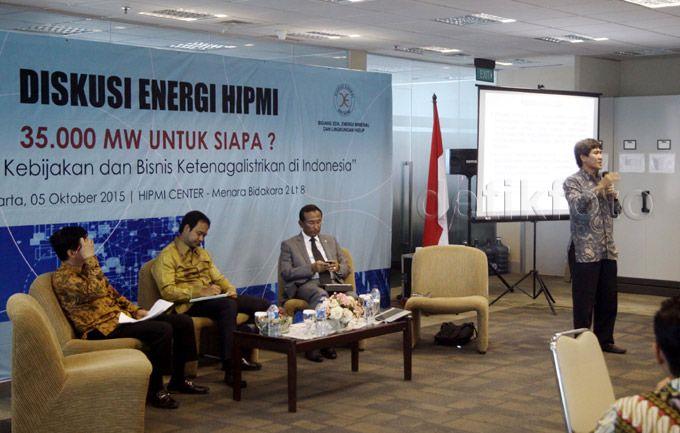 Hadir sebagai pembicara dalam diskusi itu adalah CEO Kasih Group Eka Wahyu Kasih, Presiden Direktur PT Sugih Energy/Ketua BPP HIPMI Bidang SDA, Energi Mineral dan Lingkungan Hidup Andhika Anindyaguna, anggota Komisi VII DPR Satya Widya Yudha, dan Kepala Pusat Kajian Energi Universitas Indonesia Iwa Garniwa.
